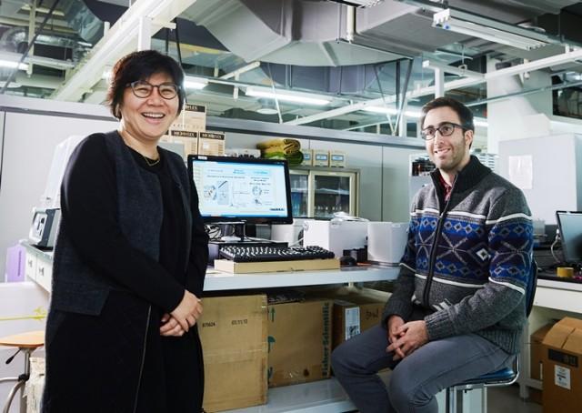 이번 연구에 참여한 임미희 교수(왼쪽)와 제프리 데릭 연구원 - 울산과학기술원 제공